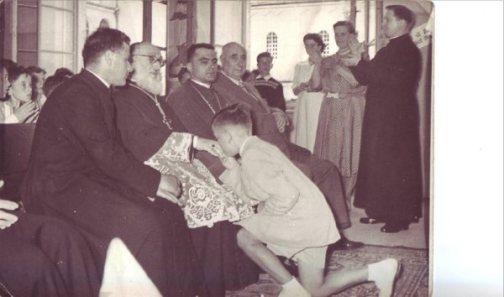 File:Pio XII in preghiera.jpg