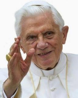 Benedetto XVI - 85 anni