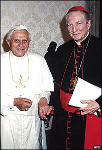 Benedetto XVI-Martini mano nella mano