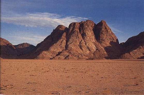 monte-sinai chiamato anche monte oreb
