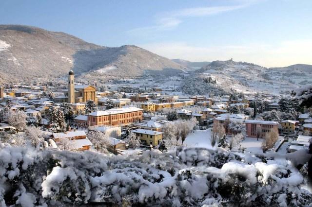 Gussago-via-santissima-nevicata-28-12-2005