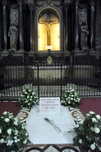 Carlo Maria Martini - La tomba in duomo 2