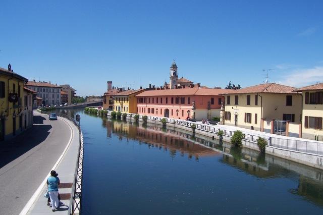 Navigli_di_Milano_Naviglio_Grande_a_Gaggiano01
