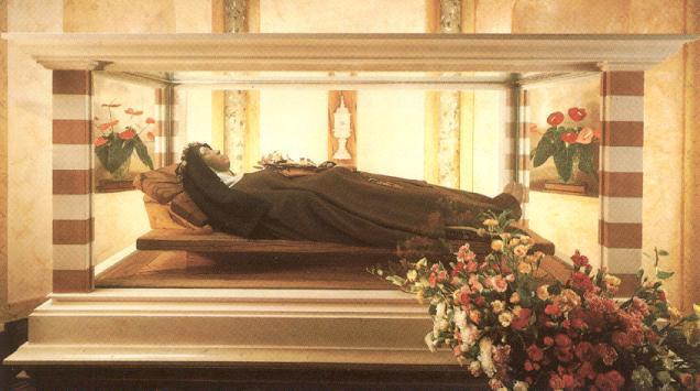 Sants Chiara - l'urna