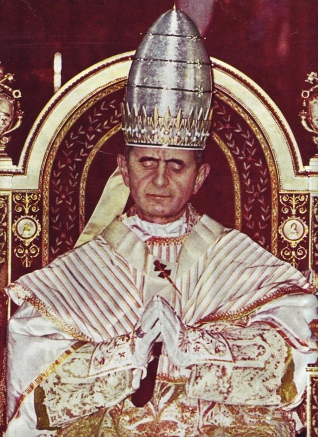 Paolo VI nel gorno dell'incoronazione